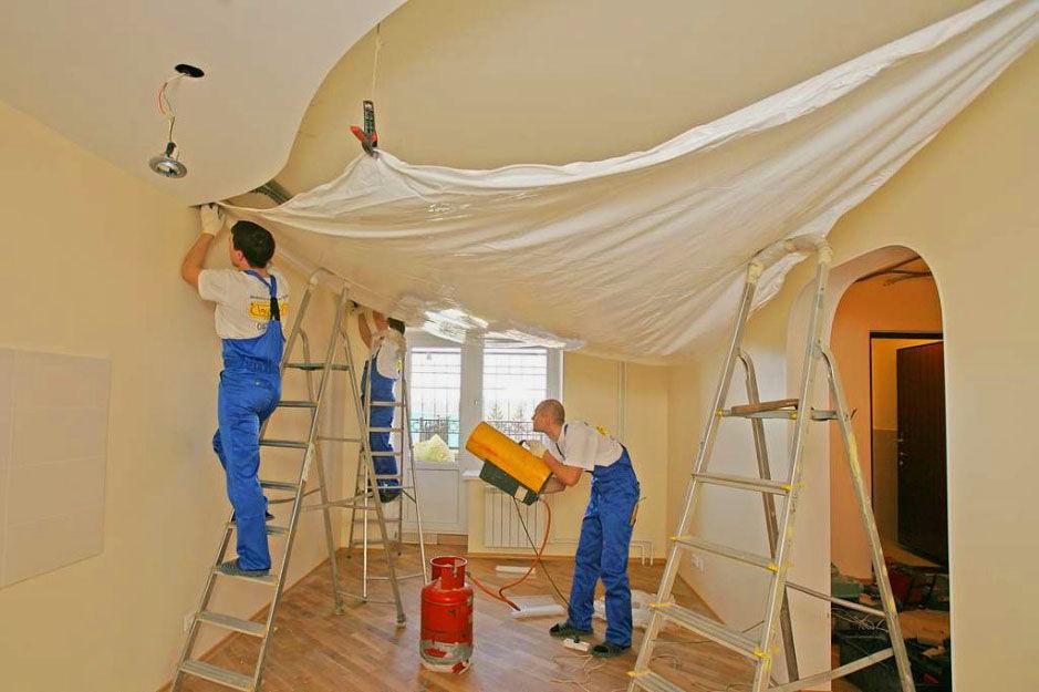 Как натянуть потолок в домашних условиях