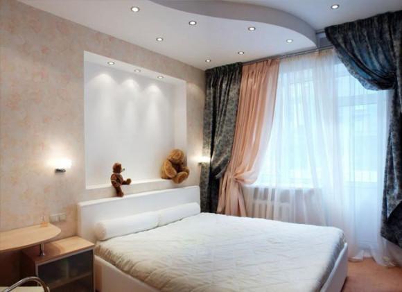 Фото спальни с точечными светильниками в потолке